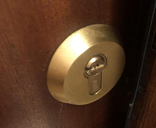 Cambiar la cerradura en una vivienda